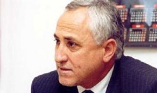 проф. Мюмюн Тахиров