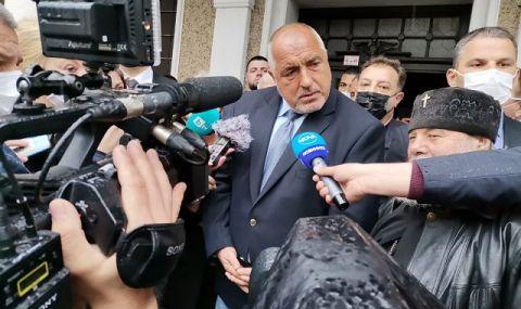 Борисов не е единственият, който отказва да се оттегли с достойнство