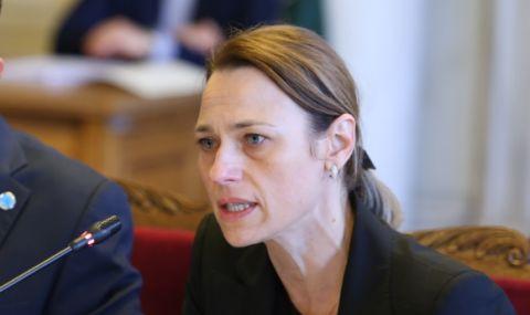 Ива Митева: Абсолютно недопустимо е да се възпрепятства упражняването на правото на глас на българските граждани