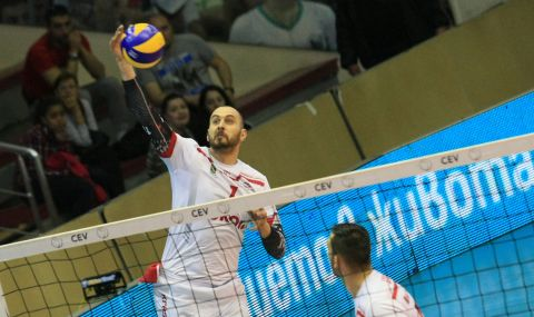 Волейболният Нефтохимик вдигна Купата на България