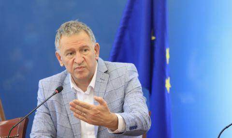Кацаров представя до дни план за противодействие на следващата COVID вълна - 1