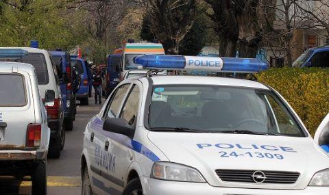 Екшън! Майка и учителка се сбиха в двора на училище до Пловдив  - 1