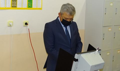 За пръв път наши сънародници ще гласуват с машини