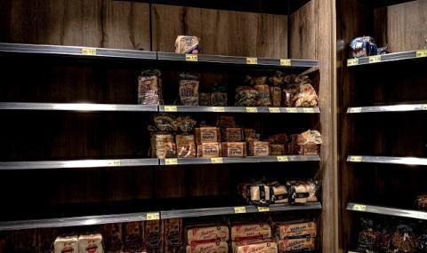 Ограничават покупките на стоки от първа необходимост заради паниката