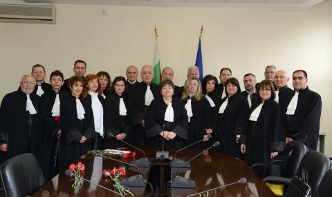 Висшият адвокатски съвет: Гешев не става за главен прокурор!
