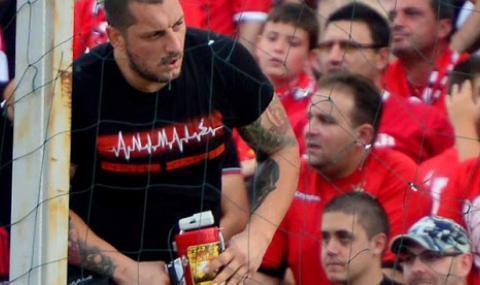 Кюстендилеца отговори на въпроси на недоволни фенове на ЦСКА