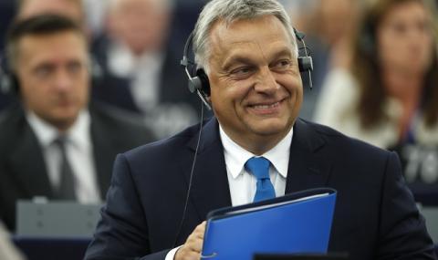 Орбан: Унгария просто си пази границите