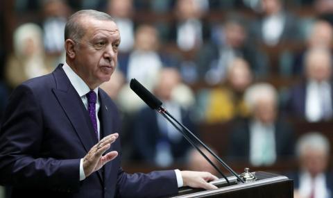 Ердоган сипе заплахи: Губим търпение!