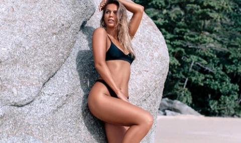 Сексапилна плувкиня с тренировка, която ще затрудни дори Роналдо (ВИДЕО)
