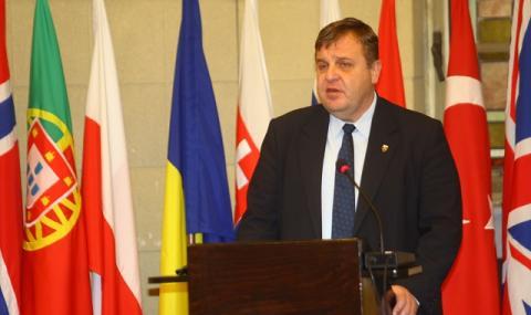 Каракачанов: Нямаме проблем с македонско малцинство