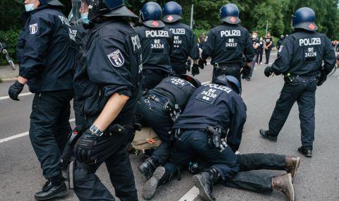 600 души бяха арестувани на протест в Германия срещу коронамерките - 1