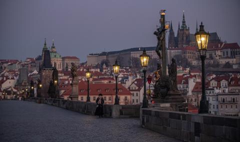 Чехия постепенно ще отваря магазини и ресторанти
