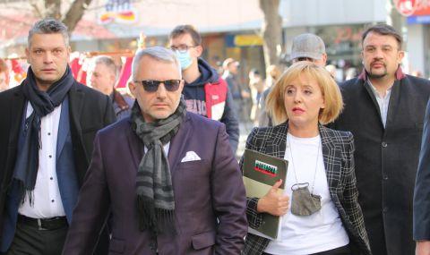Раздорът сред опозицията гради мавзолей на Борисов