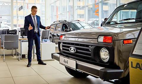 Руснаците се юрнаха да купуват автомобили