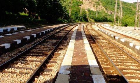 Разследват причините за дерайлирането на цистерни по жп пътя Русе - Каспичан