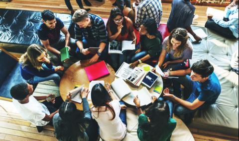 Увеличават студентските стипендии с минимум 20%