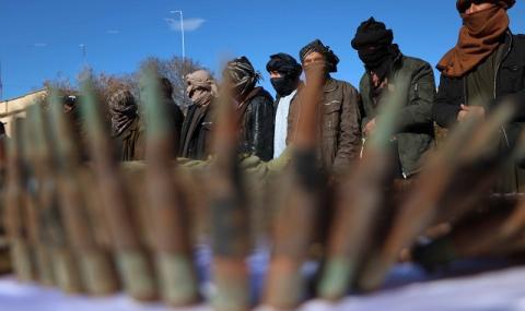 Меле! Най-малко 15 души загинаха в Афганистан при блъсканица за пакистански визи