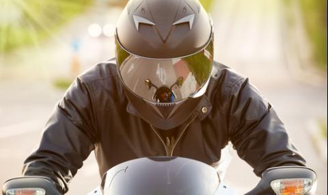 Моторист загина при зверска катастрофа край Ботевград