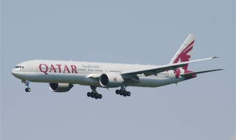 Самолет на Катар кацна аварийно