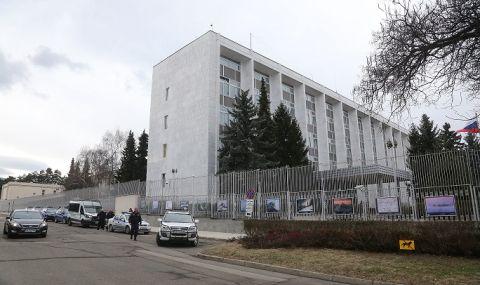 Смях: Един от шпионите на Русия опитал да се укрие в посолството нa РФ в София