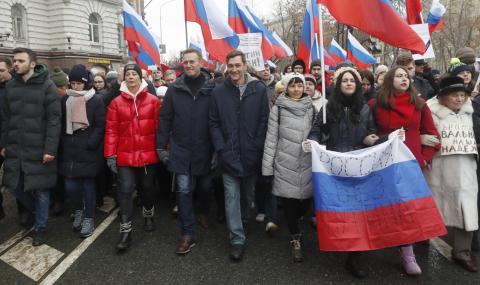 Пуснаха от ареста Алексей Навални