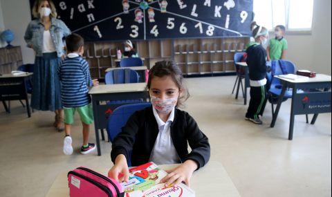 Турция започва да ваксинира учителите