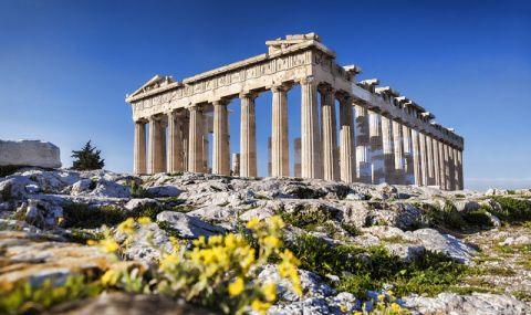 Утре отварят молове и аутлети в Гърция