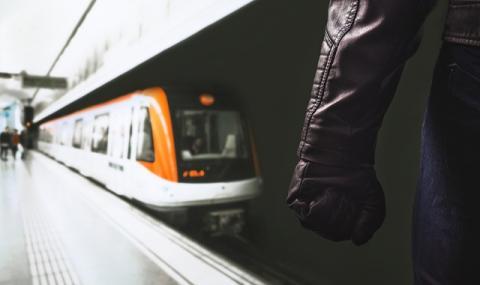 Хаос в Атина! Служителите в столичното метро отново ще стачкуват