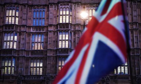 Британците не вярват на правителството
