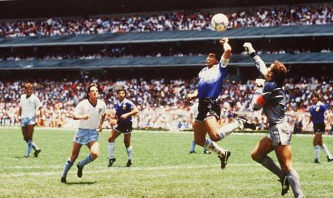 """Марадона разказа подробности за """"Божията ръка"""" на Мондиал 1986"""