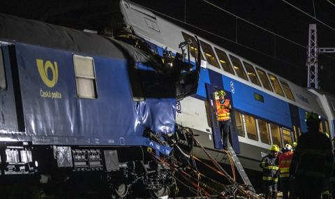 Челен сблъсък! Десетки са ранени след удар между пътнически и товарен влак в Чехия (СНИМКИ)