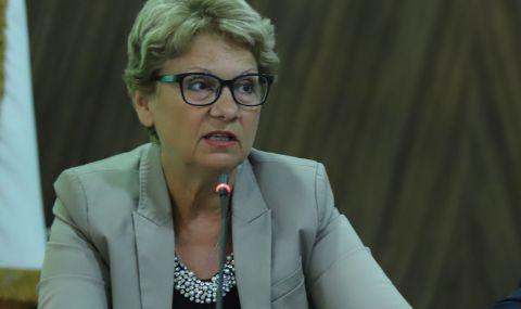 """Министър Комитова: Не съм спряла строежа на АМ """"Хемус"""" - строителството на участъците с разрешения върви - 1"""