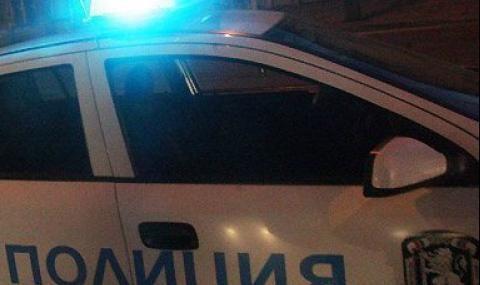 Стрелба и мятане на тухли при полицейска гонка