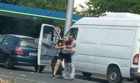 Бой на булевард в Пловдив след лека катастрофа