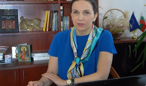 Антония Първанова: Мръсните чорапи в подкрепа на Митко са отношението към ГЕРБ