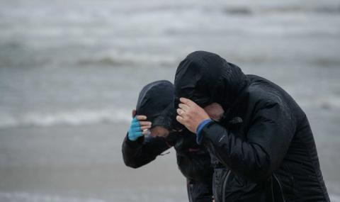 "Бурята ""Денис"" удари Великобритания"