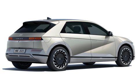 Ioniq 5 дебютира като първия самостоятелен модел на марката - 5
