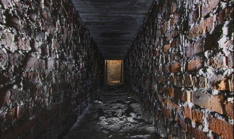 Британец откри мистериозни тунели в дома си (ВИДЕО) - 1