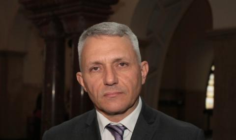 Хаджигенов: Нека покажем на властта, че това е краят ѝ