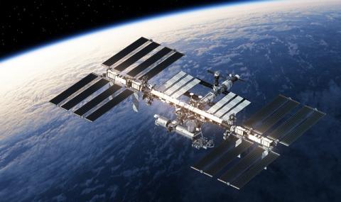 Екипажът на МКС се върна към нормален ритъм след корекция в курса