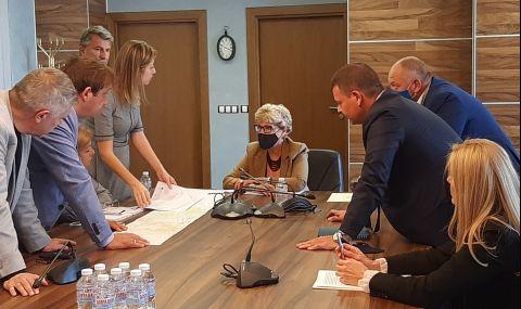 Комитова и Алексиев обсъдиха ускоряването на реализацията на железопътни обекти - 1