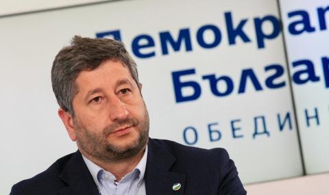 Христо Иванов: С плакатите олигархията показа кои са нейните опоненти