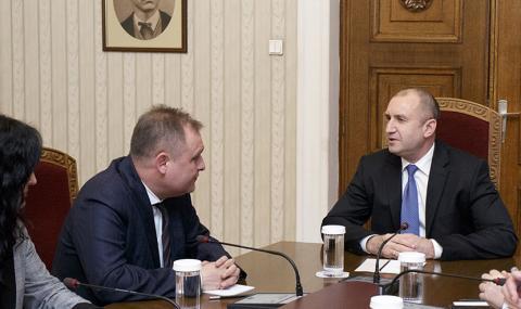 Президентът се срещна с председателя на ВАС