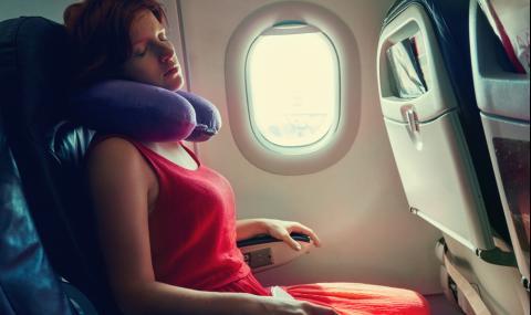 Ето защо не трябва да се спи в самолета