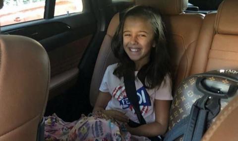 Певицата Мария изпрати дъщеря си в 5-и клас (СНИМКИ)