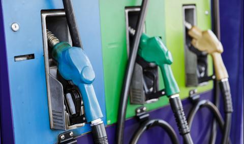 Заради срива в НАП не се тества новият софтуер на бензиностанциите