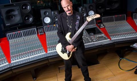 Почина китарист, записвал с легендите KISS - 1