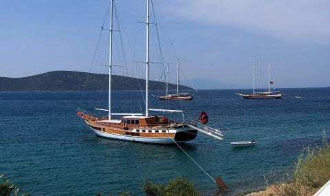 Този турски курорт е пренаселен по време на пандемията