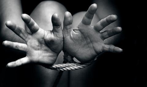 Освободиха близо 300 отвлечени момичета