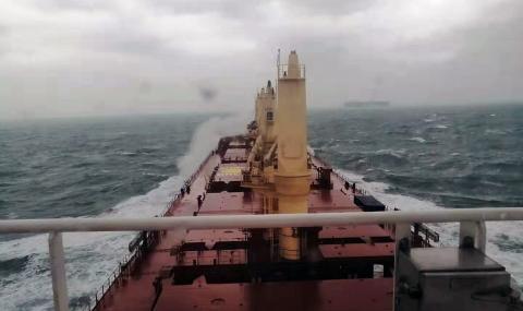 БМФ пусна на вода трети 45 500-тонен танкер